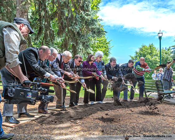 Groundbreaking for Oregon WWII Memorial