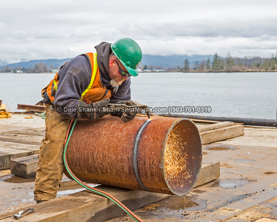 Steel piles to replace wood piles on ATONs (Aids to Navigation) in the Columbia River.